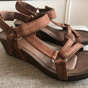 Teva sandals wedge leather